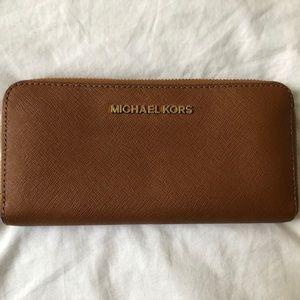 Michael Kors Continental Wallet